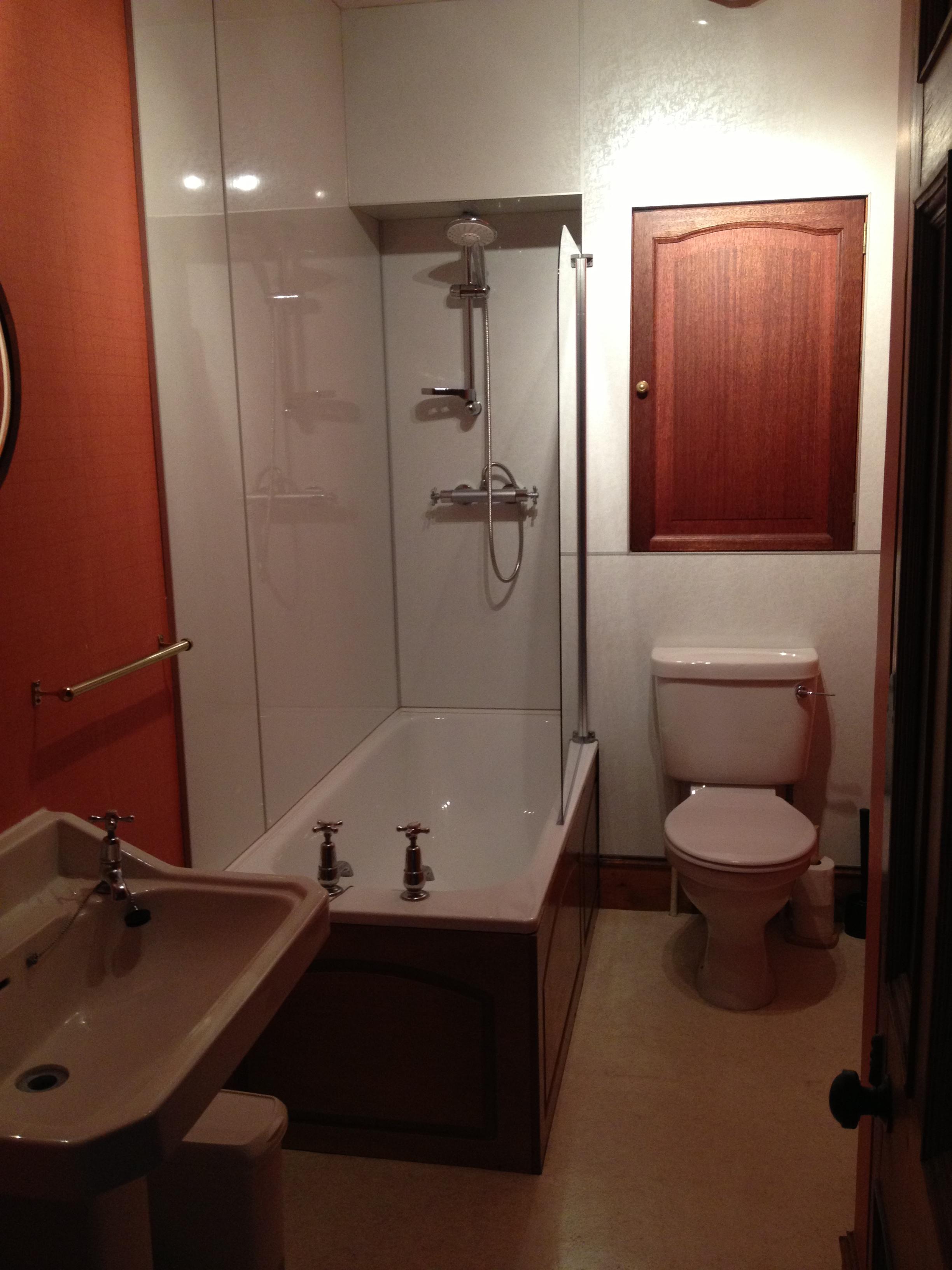 Hilton bathroom 2